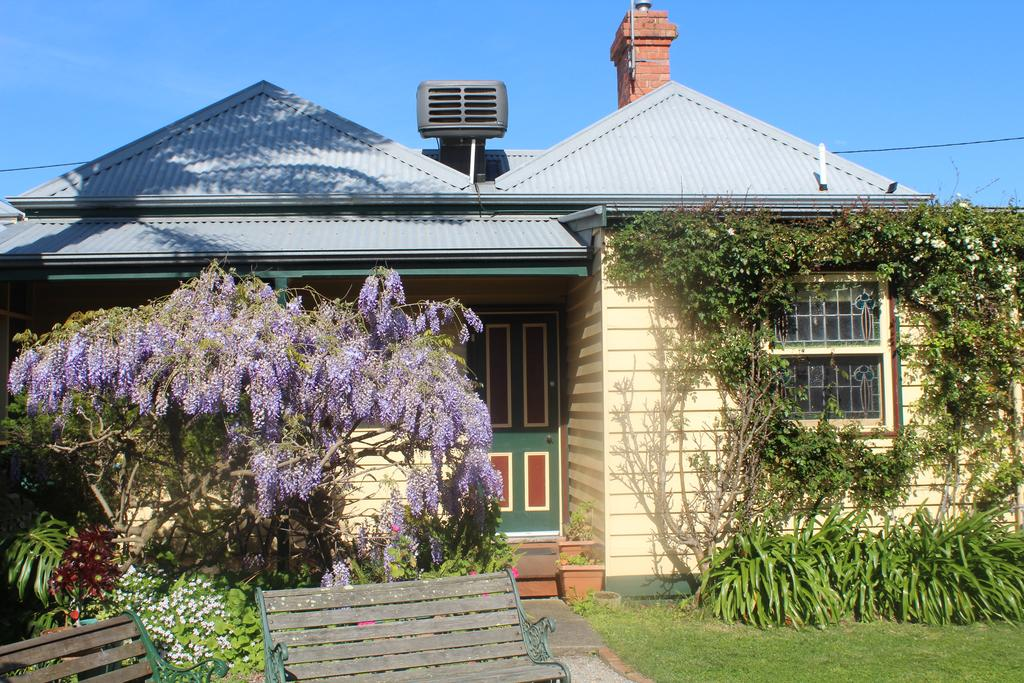 benambra cottage queenscliff